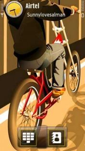 Biker Sunny Loves Alm Mobile Theme