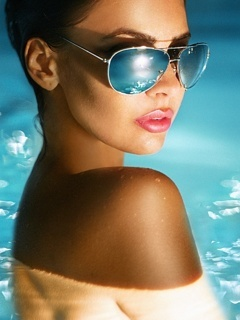 Glasses Girl Mobile Wallpaper