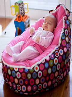 Sleepy Child Mobile Wallpaper