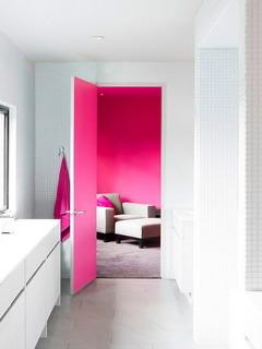 Painting Door Mobile Wallpaper