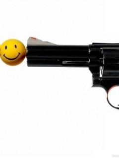 Smiley Gun Mobile Wallpaper