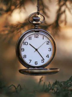 Nice Clock Mobile Wallpaper