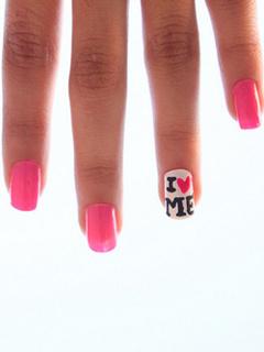 Sweet Love Nails Mobile Wallpaper