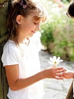 Giving Flower Mobile Wallpaper