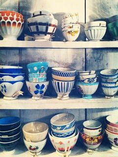 Vintage Old Design Bowls Mobile Wallpaper
