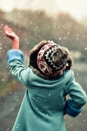 Raining Snow Girl IPhone Wallpaper Mobile Wallpaper