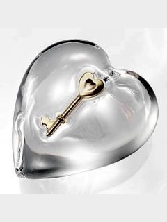 Heart Key Mobile Wallpaper