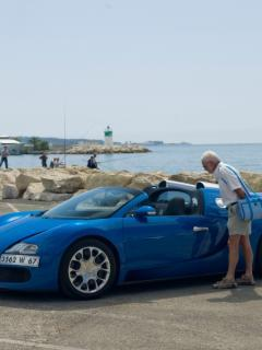 Veyron On Sea Mobile Wallpaper