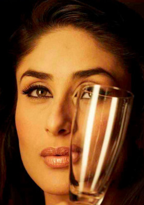 Kareena Mobile Wallpaper