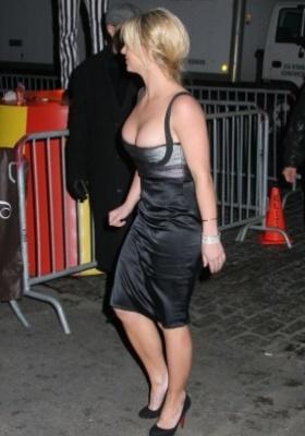 Britney Spears Black Dress Mobile Wallpaper