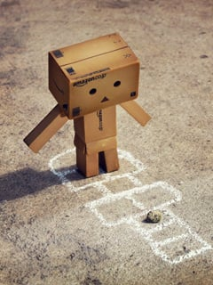 Danbo Play Game Mobile Wallpaper