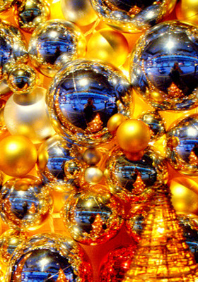 Shining Christmas Balls IPhone Wallpaper Mobile Wallpaper