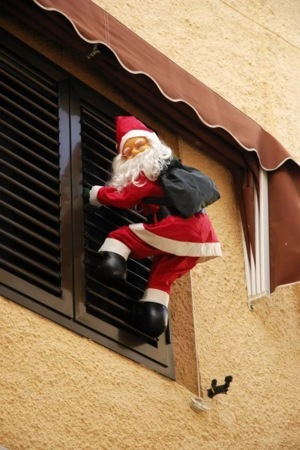 Santa Claus On Window IPhone Wallpaper Mobile Wallpaper