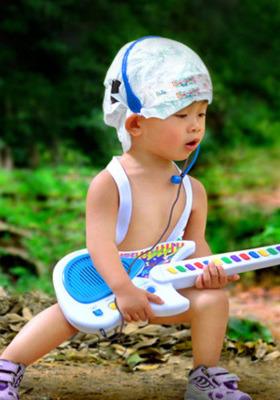 Cute Baby Guitar Mobile Wallpaper