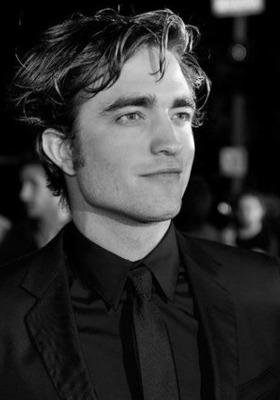 Roberts Pattinson In Black Mobile Wallpaper