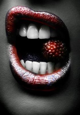 Dark Temptation Mobile Wallpaper