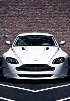 Aston Martin Mobile Wallpaper