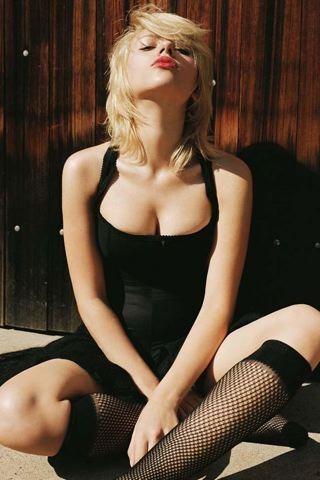 Scarlett Johansson Black IPhone Wallpaper Mobile Wallpaper