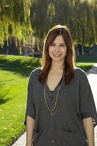 Veronica Belmont  Smiling IPhone Wallpaper Mobile Wallpaper