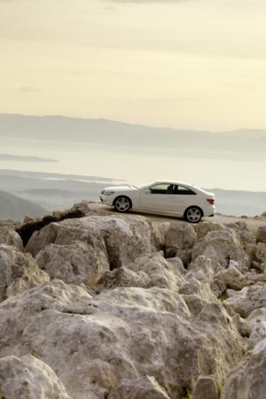 Car On Mountain IPhone Wallpaper Mobile Wallpaper