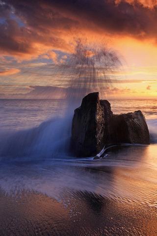 Splash & Sea Sunset Iphone Wallpaper Mobile Wallpaper
