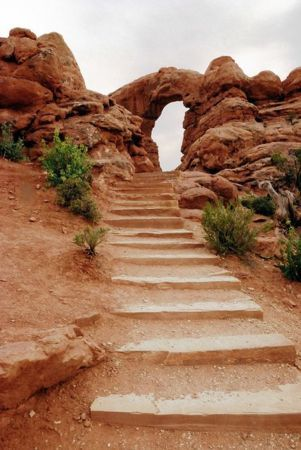 Turret Arch Windows Trail IPhone Wallpaper Mobile Wallpaper