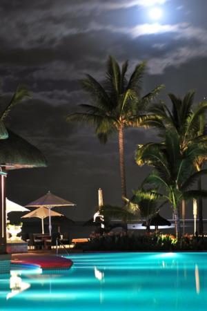 Swimming Pool Resort IPhone Wallpaper Mobile Wallpaper
