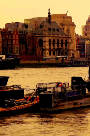 Amazing Cute City & Boats IPhone Wallpaper Mobile Wallpaper