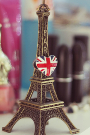 Eiffel Tower & England Flag IPhone Wallpaper Mobile Wallpaper