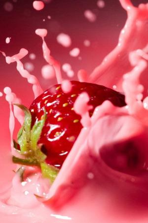 Strawberry Milk Splash Mobile Wallpaper