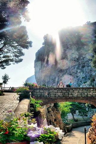Capri Bridhe & Mountain ItalyiPhone Wallpaper Mobile Wallpaper