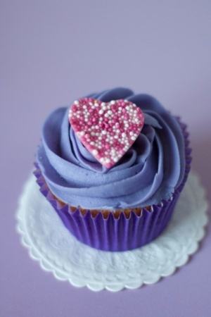 Purple Love Heart Cake IPhone Wallpaper Mobile Wallpaper