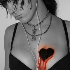 Blood Heart Mobile Wallpaper