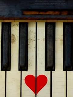 Piano Heart Mobile Wallpaper
