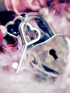 Key Heart Mobile Wallpaper