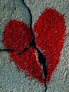 Borken Heart Mobile Wallpaper