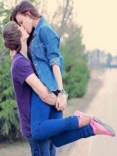 Romantic Kiss Mobile Wallpaper
