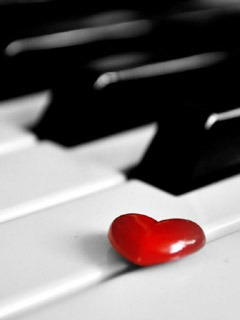 Heart On Piano Mobile Wallpaper