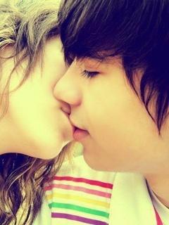 Cute Kiss Mobile Wallpaper
