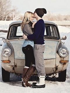 Winter Kisses Mobile Wallpaper