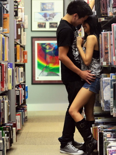 Romance In Library Mobile Wallpaper