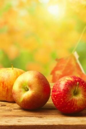 Fresh Red Apples Fruits Mobile Wallpaper