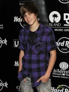 Justin Drew Bieber Mobile Wallpaper