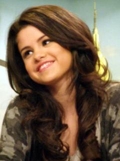 Selena Gomezzzz Mobile Wallpaper