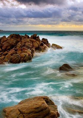 Rocky Shore Mobile Wallpaper