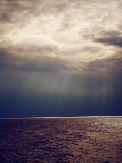 Light On Sea Mobile Wallpaper