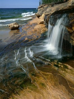 Rocks Falls Mobile Wallpaper