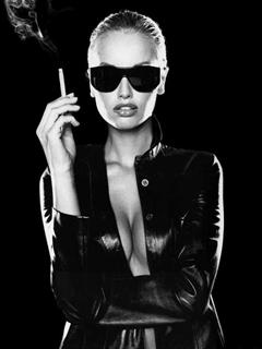 Smoking Girl Mobile Wallpaper