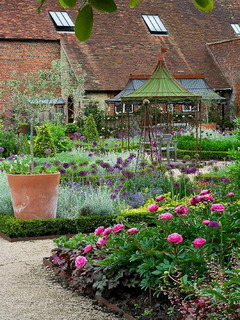 Walled Garden At Cowdray Mobile Wallpaper