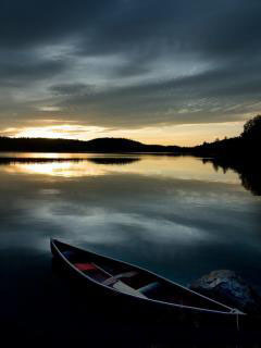 Sunset Lake Mobile Wallpaper